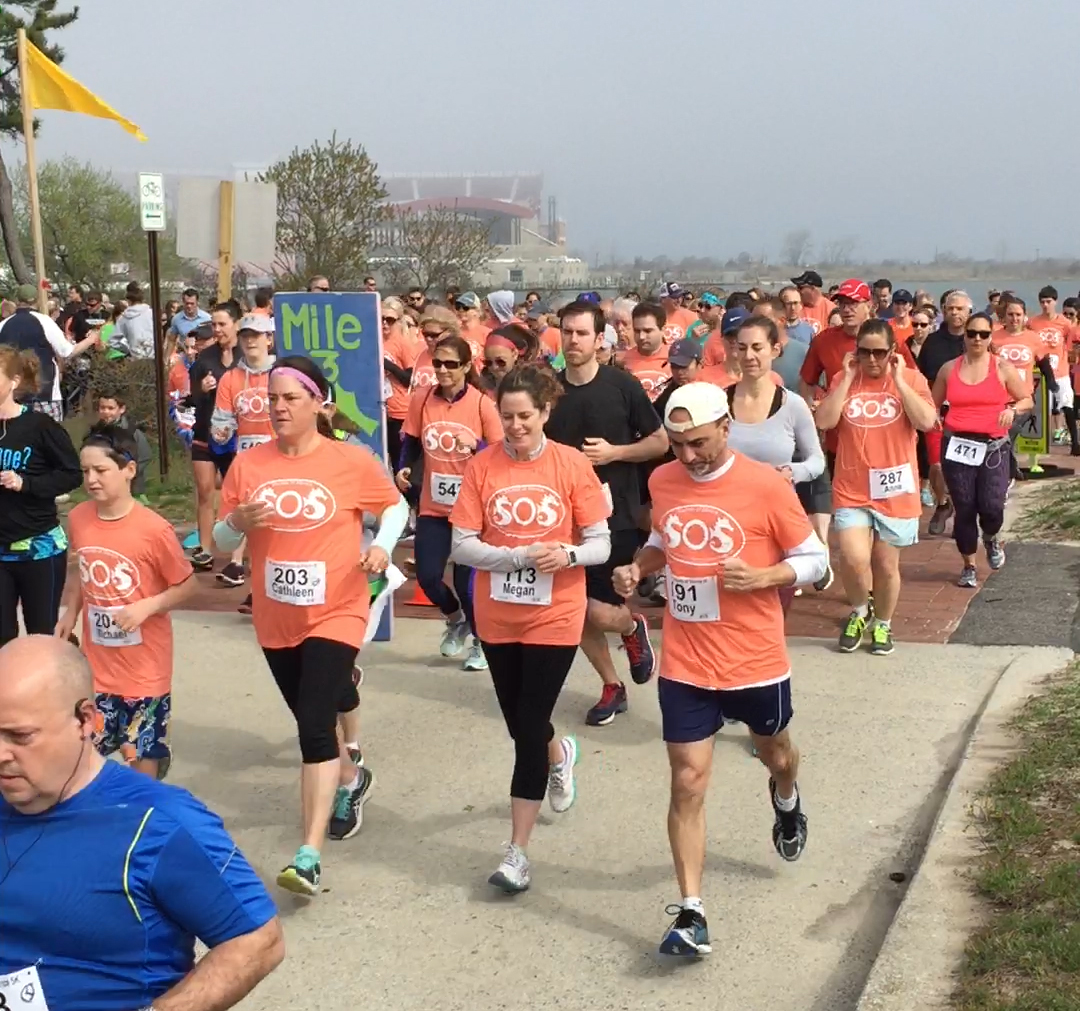 SOS 5k Run 2017 start of race picture 2
